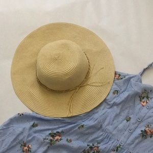 Accessories - Tan Straw Floppy Hat